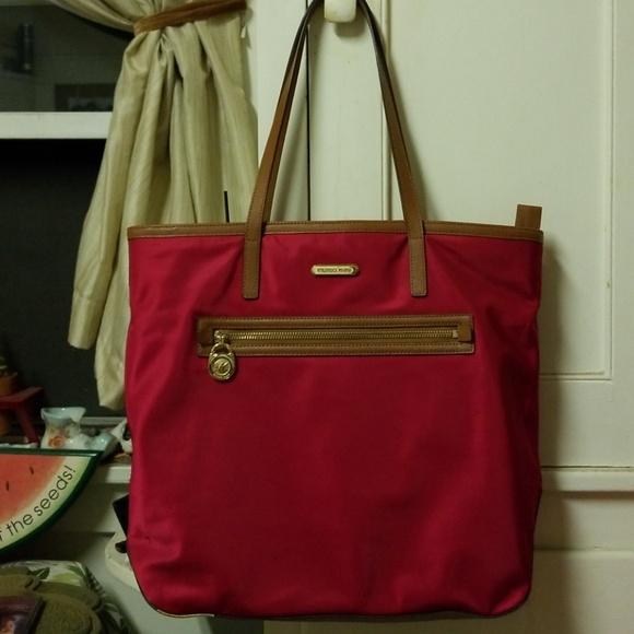 1b9cee0b80a1 Michael Kors Bags   Sale Large Tote Bag   Poshmark